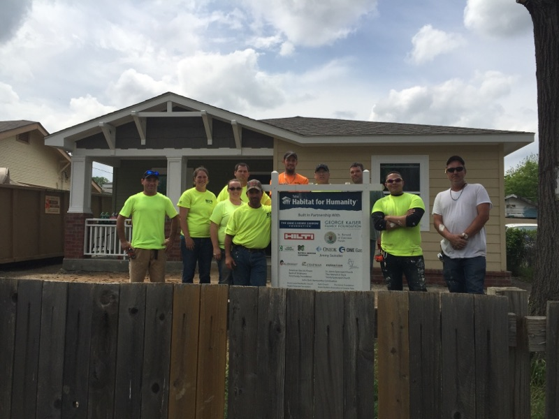 St.Louis Craftsmen Take Time Out to Help Habitat for Humanity